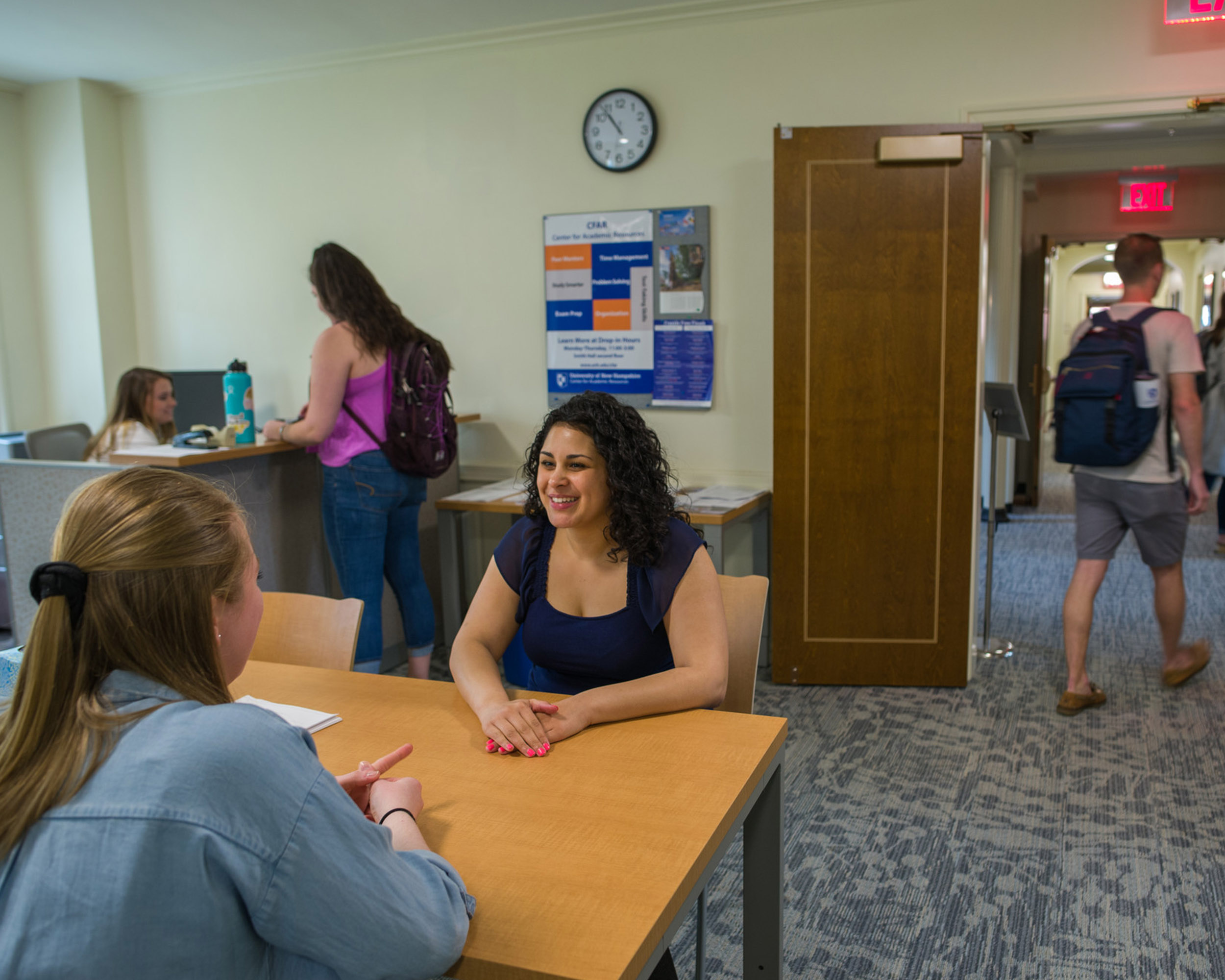 unh students in advising center