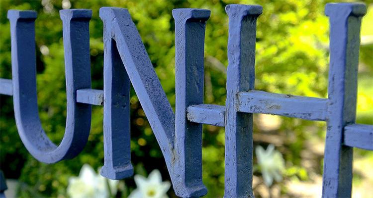 UNH Sign