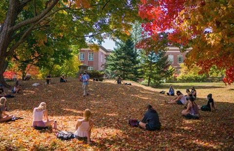 outdoor class at unh in the fall
